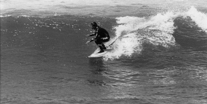 Neil surfing Ribiera